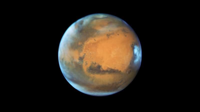 Científicos registran por primera vez un terremoto en Marte