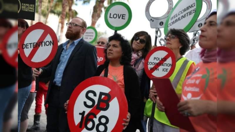 """Florida prohibirá las """"ciudades santuario"""" de inmigrantes"""
