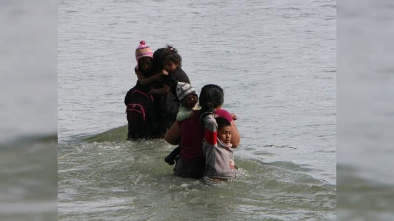 Se ahogan tres niños al intentar cruzar el Río Bravo