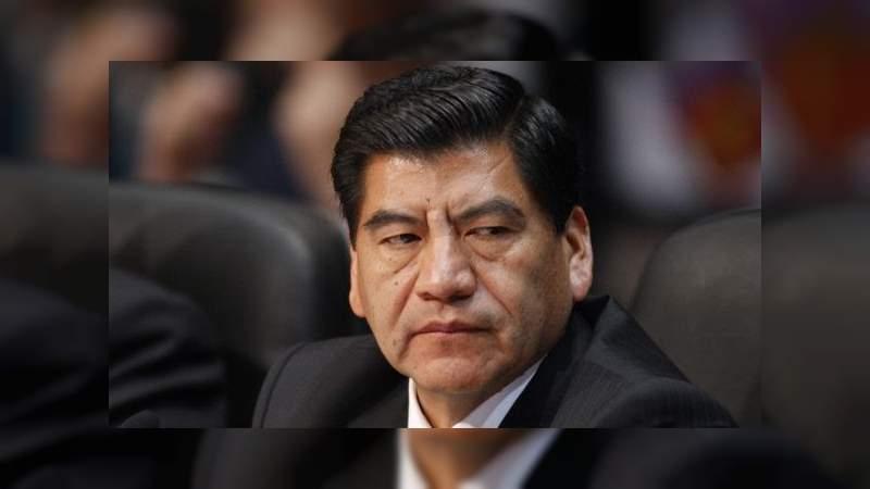 Interpol gira ficha roja contra exgobernador de Puebla