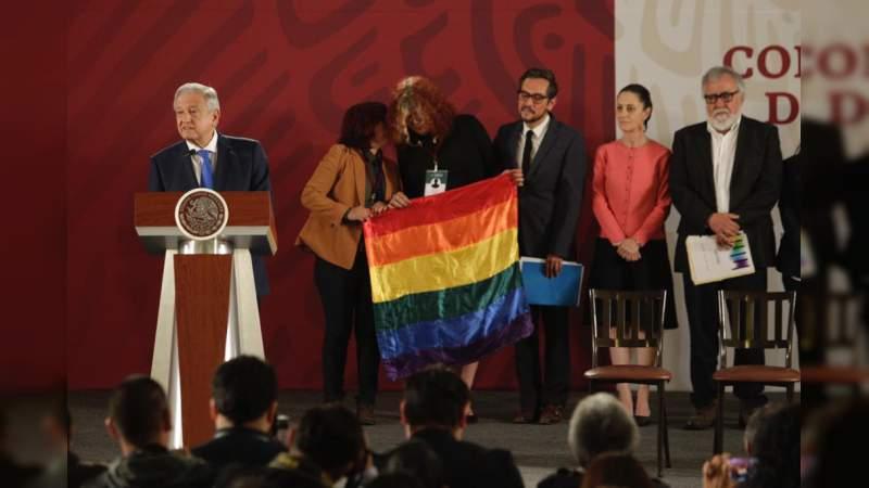 Anuncian acciones contra la homofobia en México