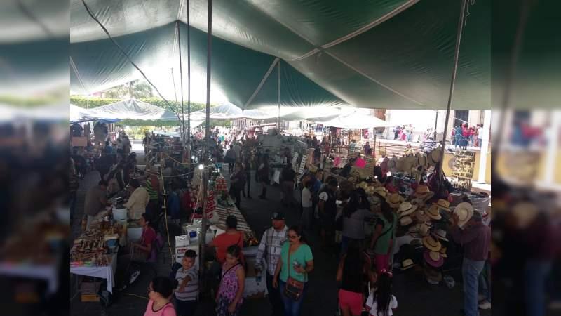 Arranca la IV edición de la Feria Artesanal impulsada por el antorchismo michoacano