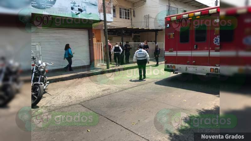 Atacan a balazos a un abogado en Uruapan, Michoacán