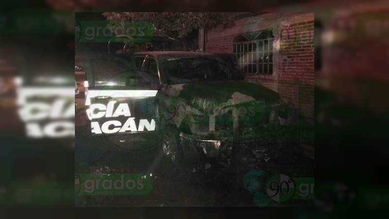 Incendian patrulla de la Policía Michoacán en Uruapan