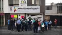 Trabajadores se manifiestan en las oficinas centrales del Suttebam