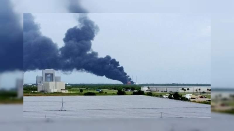 Presumen siete muertos al desplomarse aeronave que combatía incendio en Querétaro