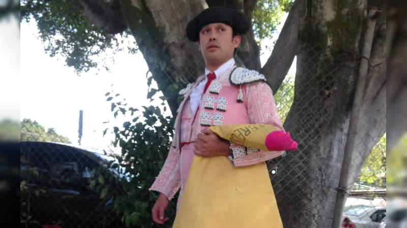 Mano a mano de dos coletudos agitanados en Rosas de Guadalupe: Breco II y Bruno Vélez