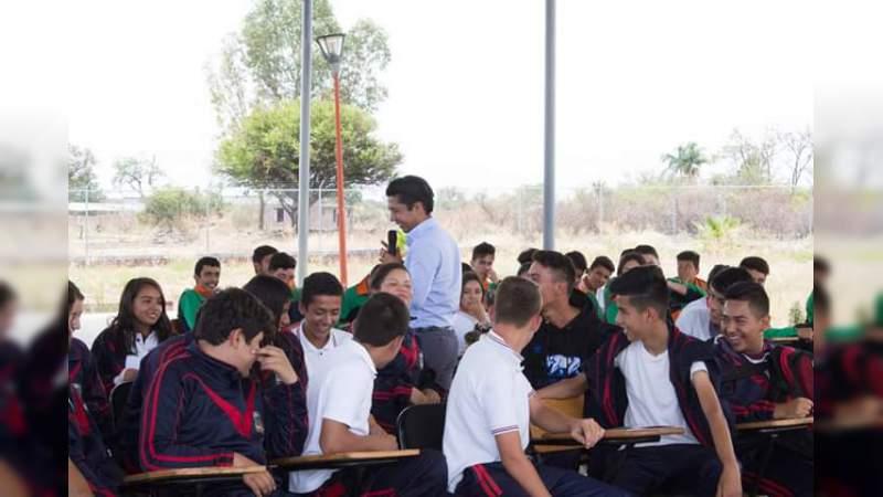 """Arriba """"Rutas de la Juventud"""" a Cotija y Zináparo; atiende a más de 500 adolescentes"""