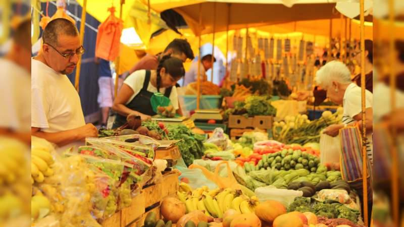 Tianguis, confluencia de olores, colores y sabores
