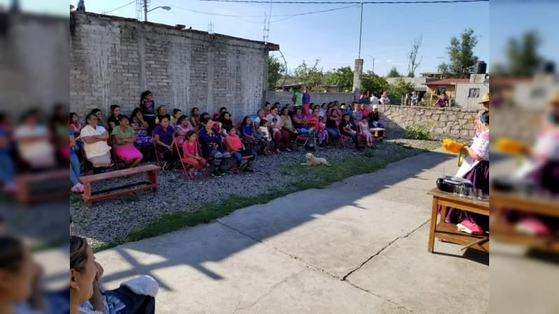 Lucila Martínez lleva obras de teatro a comunidades y tenencias de Morelia
