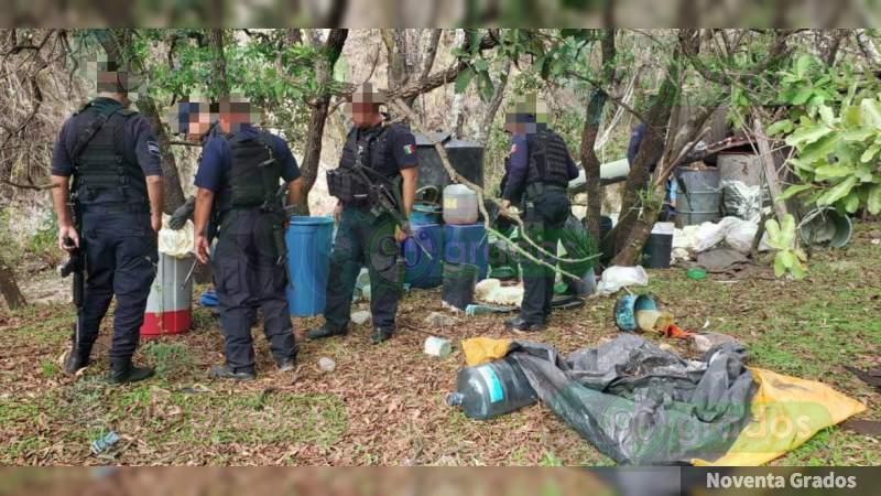 """""""Revientan"""" laboratorio clandestino para elaborar droga sintética en Puruándiro, Michoacán"""