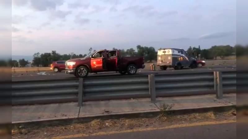 Atacan camioneta de valores en Celaya, hay un herido