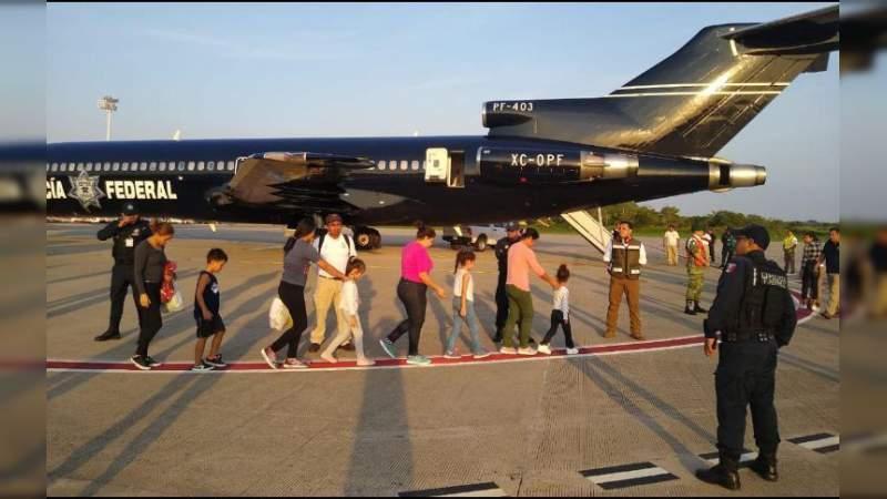 Migrantes prefieren viajar en avión que en coche: Selene Vázquez