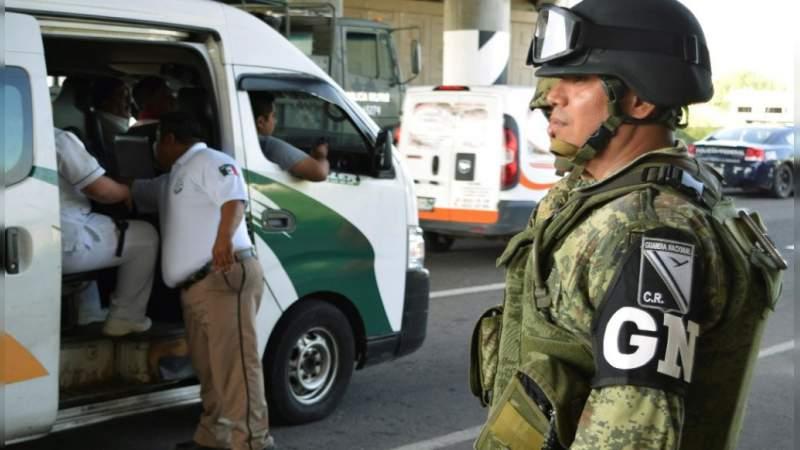 Migrantes intentan escapar de un albergue en Tapachula