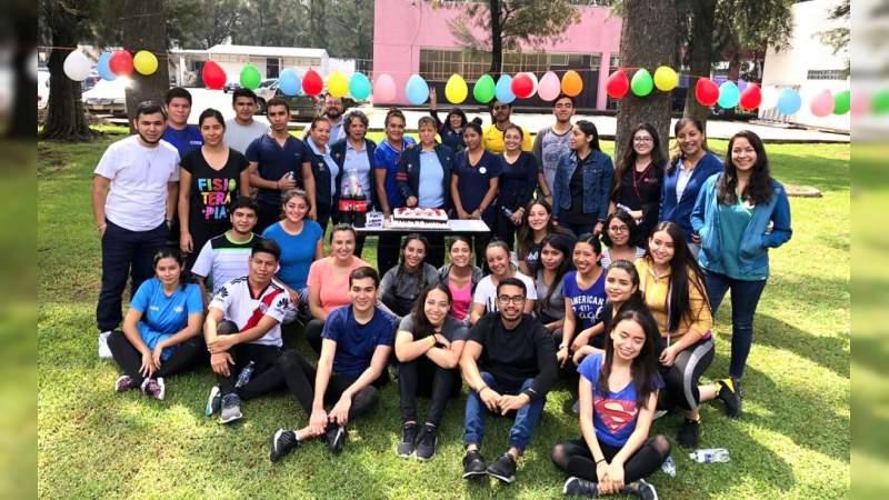 Con Torneo Relámpago de Futbol, celebra CREE el día del Terapeuta Físico