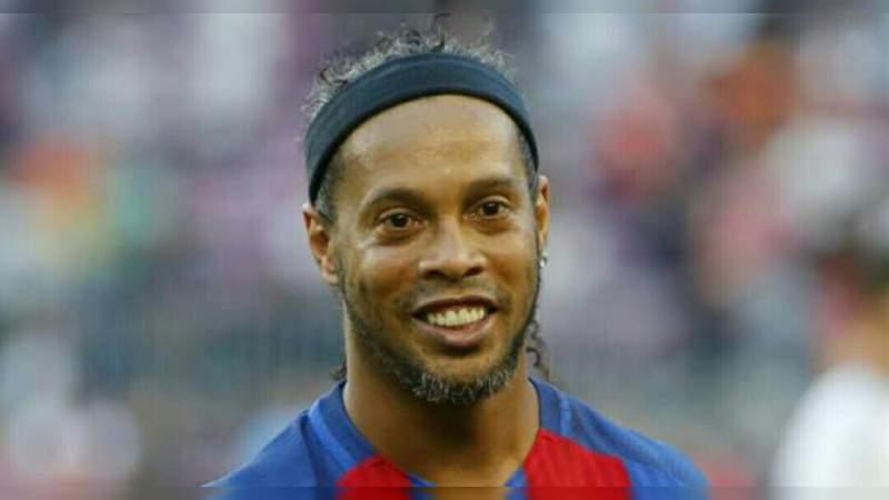 Denuncian a Ronaldinho de golpear a su expareja