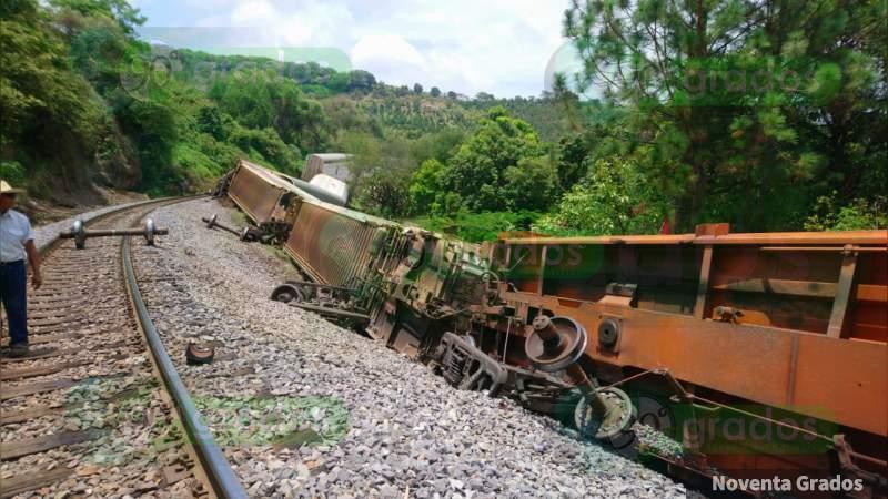 Se descarrilan siete vagones del tren en Taretan