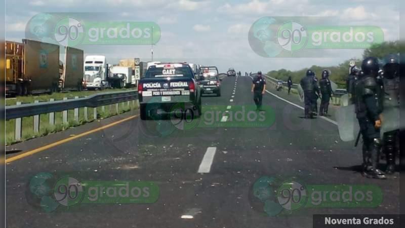 Se registra bloqueo carretero tras ataque a la Policía en Villagrán, Guanajuato