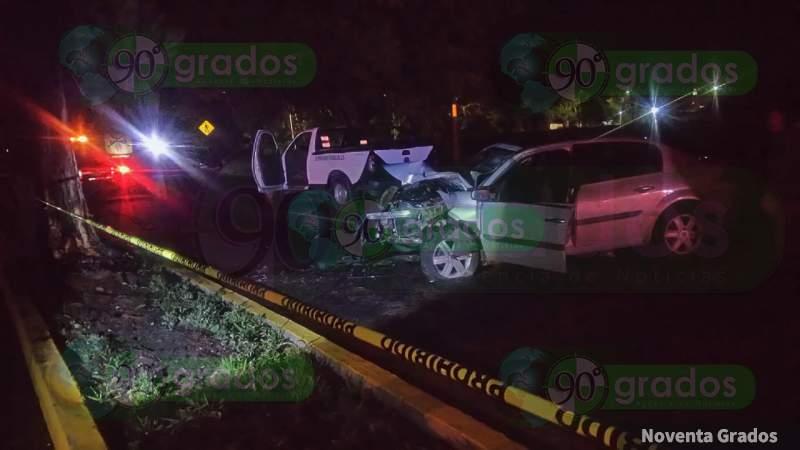 Muere al estrellarse contra árbol sobre la Morelia - Zinapécuaro