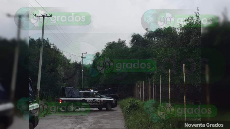 Hallan ejecutados a dos hombres; Policía Michoacán oculta los hechos en Uruapan, Michoacán