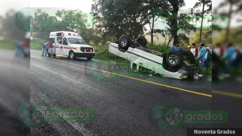 Volcadura en la carretera Zacapu-Zamora deja un lesionado
