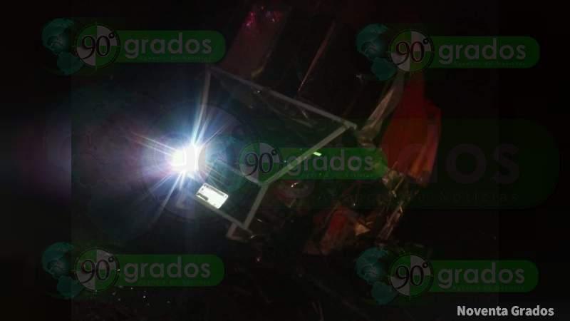 Un muerto y tres lesionados deja un choque en la carretera Zitácuaro-Morelia