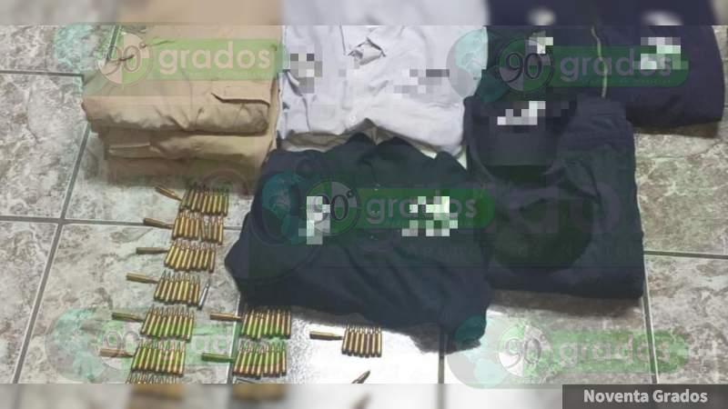 Detienen a cinco personas con un arsenal y equipo táctico en Michoacán