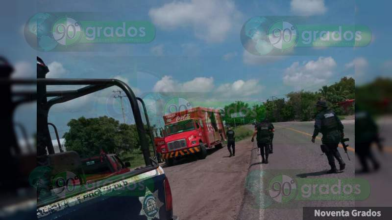 Recupera Ejército camiones repartidores robados en Buenavista, Michoacán