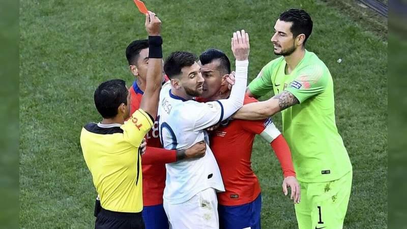 Messi es multado y sancionado por la Conmebol