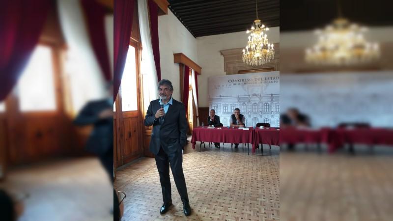 Problemas que aquejan a migrantes debemos solucionarlos todos, exhorta cónsul de Austin, Enrique Romero