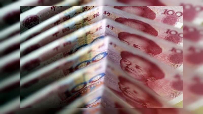 El yuan chino se devalúa a su nivel más bajo desde 2008