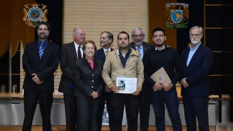 Estudiantes nicolaitas obtienen el 3er lugar en concurso nacional de satélites