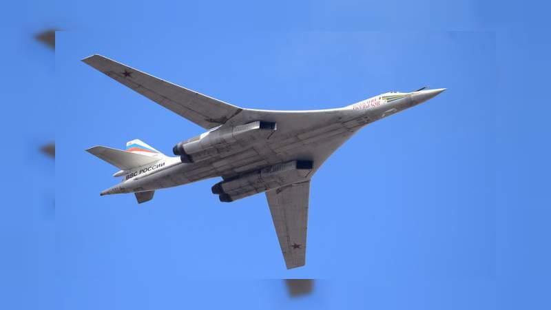 Bombarderos rusos sobrevuelan frontera marítima con Estados Unidos
