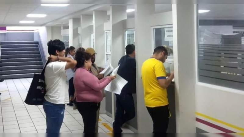 Dispersa SEE pago a trabajadores de la educación