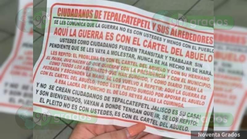 Desde avioneta, arrojan volantes con amenazas entre presuntos grupos criminales en Tepalcatepec, Michoacán