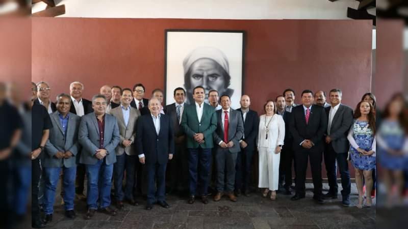 Por los sectores más vulnerables, Gobierno de Michoacán y CMIC suman esfuerzos