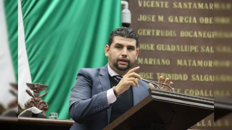 Por la profesionalización de gobiernos municipales se pronuncia Octavio Ocampo