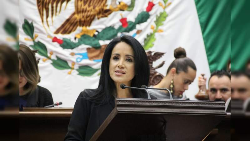 En las manos del gobierno federal estabilidad en el sector educativo: Lucila Martínez