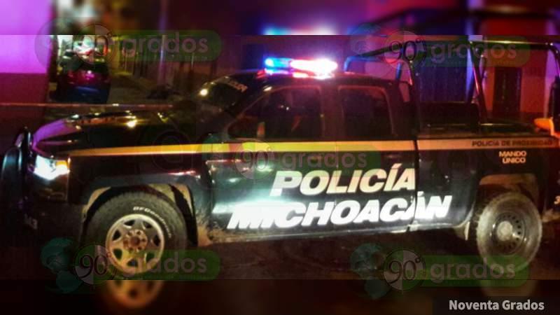 En pleno centro de Zamora, hallan cuerpo encobijado y con narcomensaje
