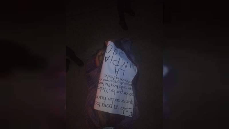 Hallan cadáver con narcomensaje en calles de la colonia Juárez en Morelia, Michoacán