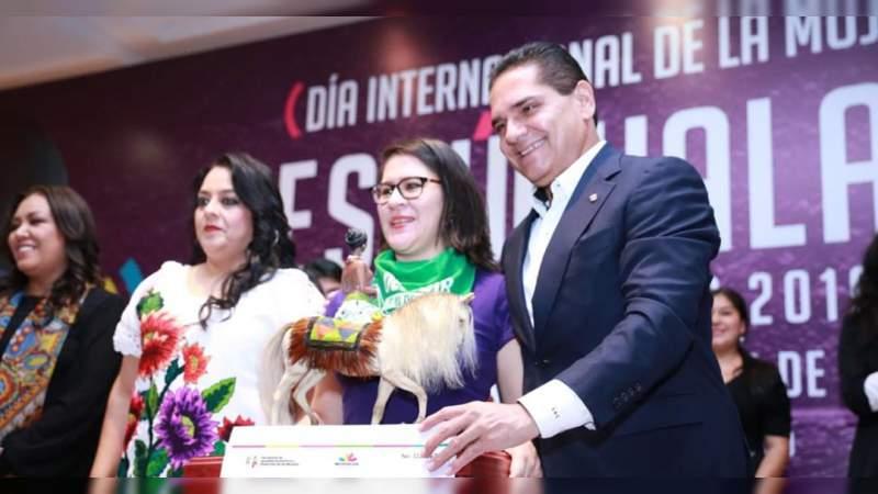 Silvano Aureoles apoya la lucha de las feministas de México