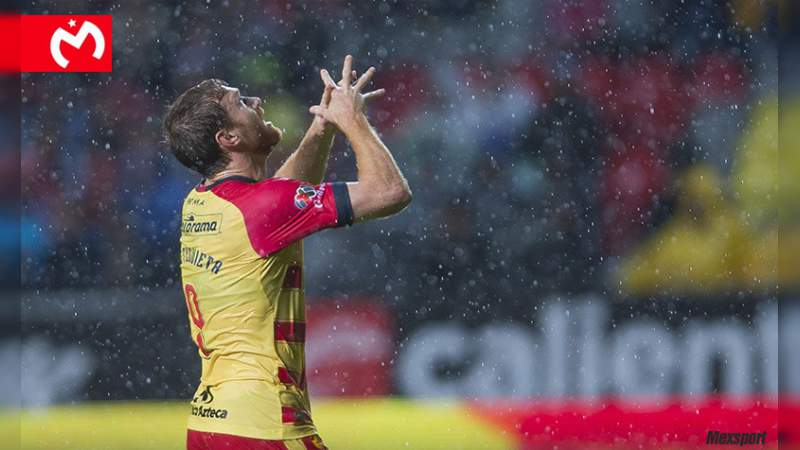 Monarcas dio un golpe de autoridad ante Pumas con dos goles de Aristeguieta
