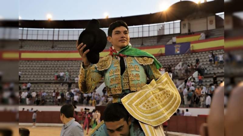 Isaac Fonseca cortó dos orejas y triunfó ayer en Colmenar el Viejo, España