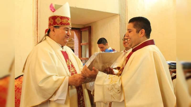 Ordenación de tres nuevos sacerdotes para servicio de la iglesia de Morelia