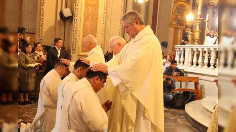 Ordenaciones sacerdotales conferidas por el Sr. Arzobispo de Morelia, Carlos Garfias Merlos
