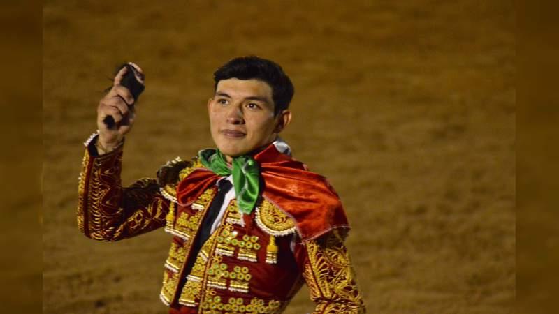 Isaac Fonseca cortó oreja en Guadalix y pasó a la final de triunfadores