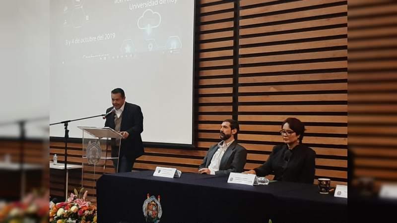 Inicia seminario sobre servicios en línea que ofrece la UMSNH