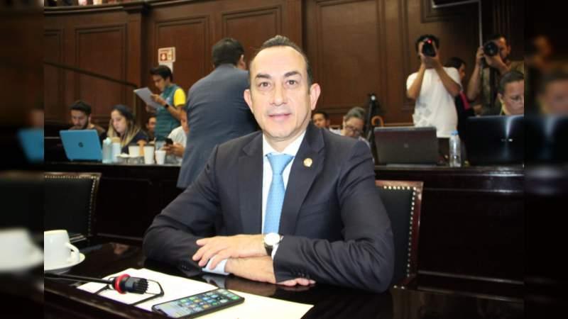 Urge garantizar abasto de medicamentos en el país: Antonio Soto