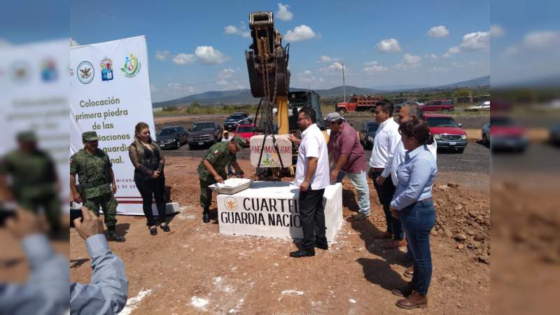 Colocan la primera piedra para la edificación de cuartel para la Guardia Nacional en Angamacutiro, Michoacán
