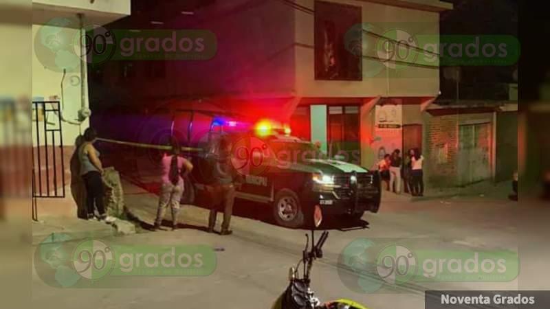 Ejecutan a un custodio y hieren a menor de edad en Valle de Santiago, Guanajuato